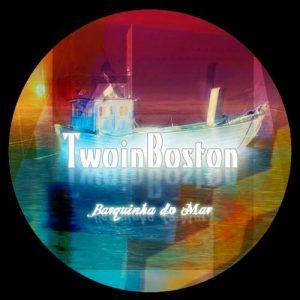 Two In Boston – Barquinha Do Mar